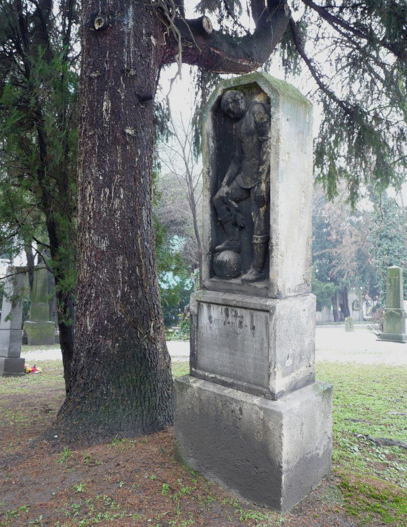 Gruber Béla síremléke