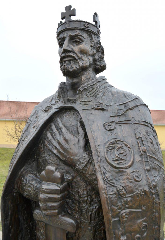 tardoskedd-szent-istvan-szobor (11)
