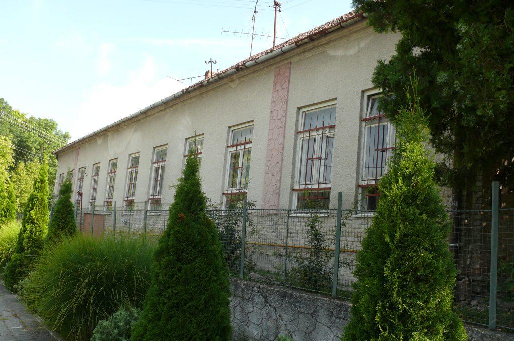 A balonyi nemzeti iskola épülete