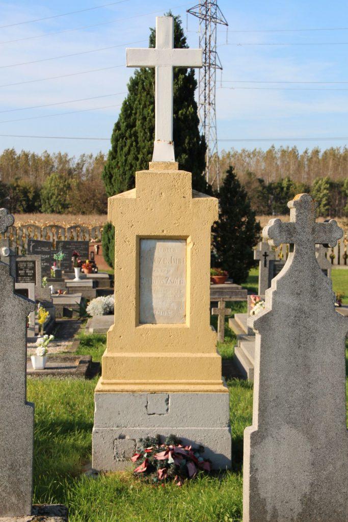 Nagymad temetői nagykeresztje